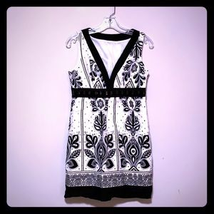 Dresses & Skirts - Black and white jeweled waist sundress